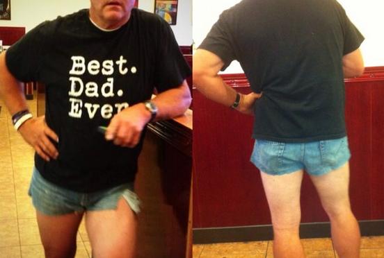 短すぎるショートパンツをはいてる娘への、父の体を張った教えがネットで話題に