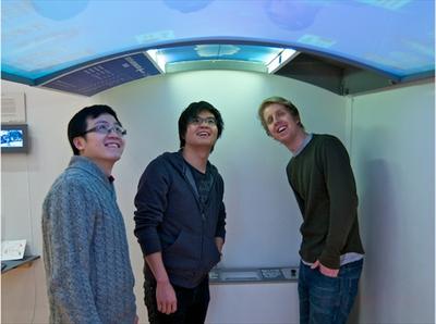 地下鉄の天井に空を映す巨大電子ペーパー Digital Canopy