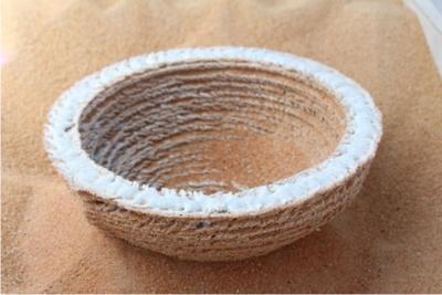 太陽光と砂漠を3Dプリンターに変えてガラス状の立体物を作るSolar Sinter