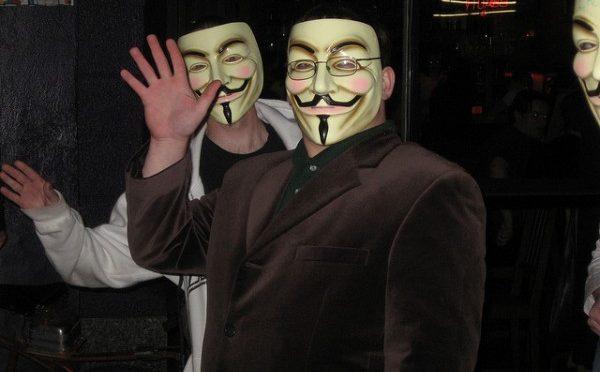 匿名ハッカー集団アノニマスで寄付金に絡んだ内紛が発生