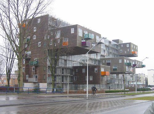 アムステルダムの部屋の飛び出たアパート