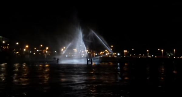 さまよえるオランダ船 – 噴水にプロジェクションマッピングで幽霊船を作る