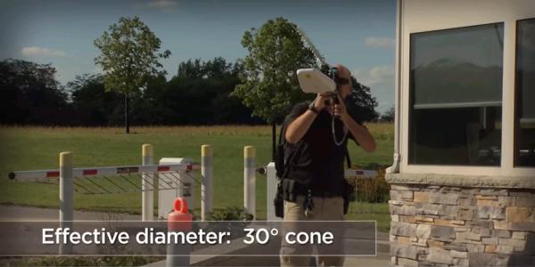 ドローンを無力化する電波兵器 DroneDefender