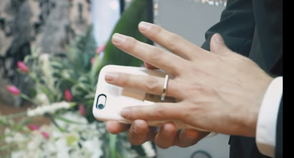 smartphone-marriage-ring